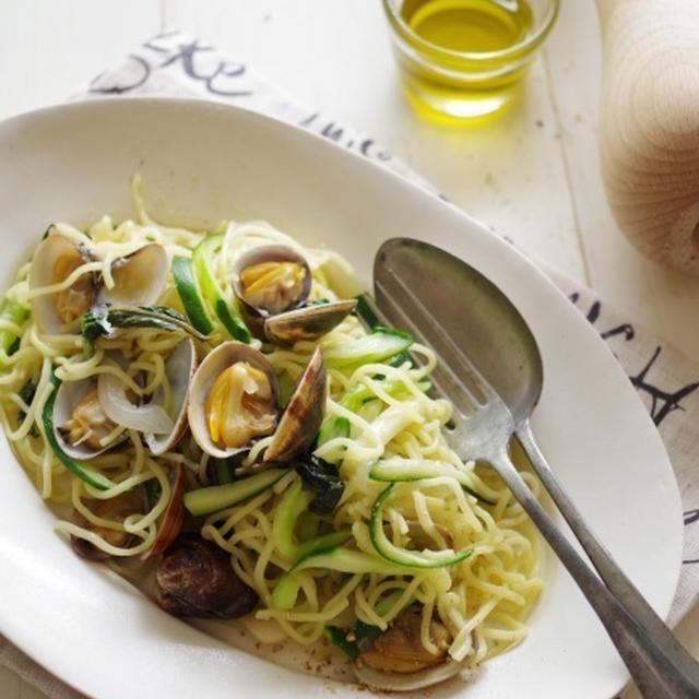 アサリと夏野菜のバジル塩麺