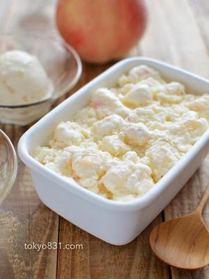 ■桃ヨーグルトアイス<br><br>「混ぜて冷凍するだけの簡単でおいしいアイスです。材料は4つだけで...