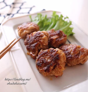 焼き肉のタレで簡単しっかり味*ピリ辛豚こまボール