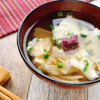 【レンジで簡単】しそ梅、豆腐、マイタケのお吸い物