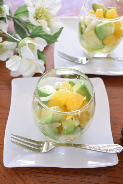 オレンジとアボガドのグラスサラダ