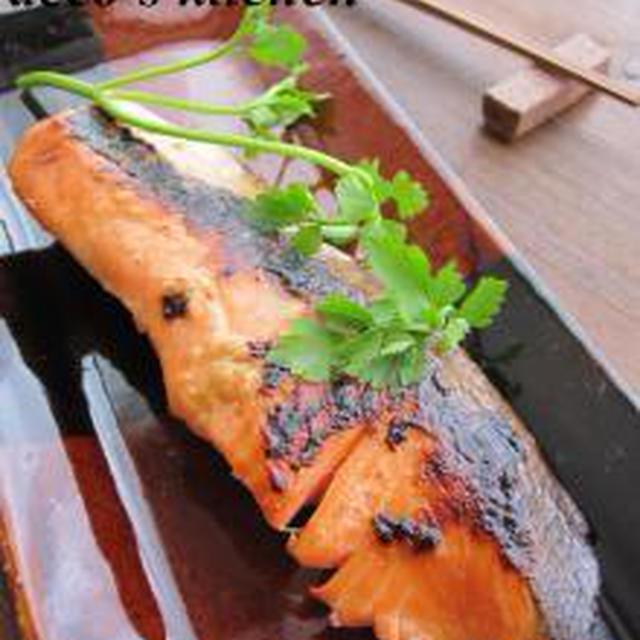 鮭の甘酒醤油漬け焼き。