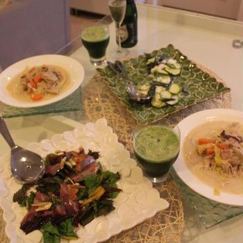 前菜にぴったり新鮮セロリとガラナのカクテル かつおとスイスチャードのガーリックオイルがけ、あさりのチャウダースパゲティなど日々献立