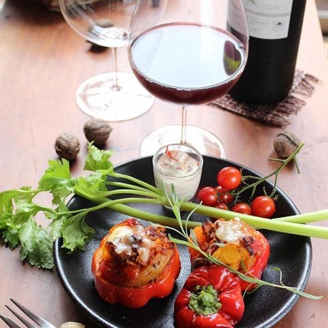 究極のワイングラスで楽しむ♪フライドポテトとミニトマトのパプリカ焼き