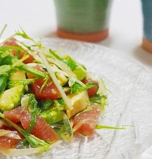 簡単絶品! まぐろの漬けとアボカドの中華風サラダ