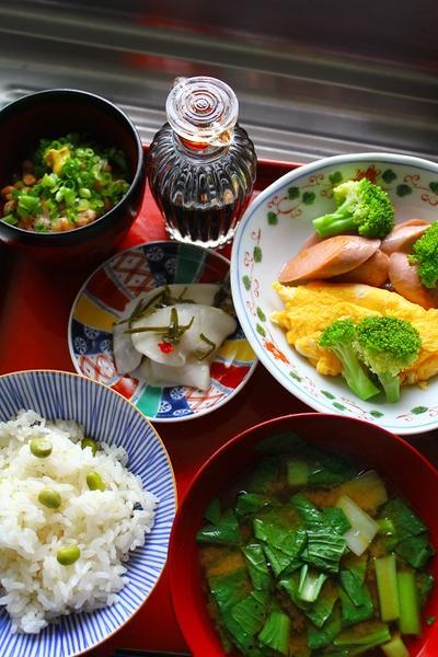 枝豆ごはん・蕪あちゃら漬け・魚肉ソーセージ