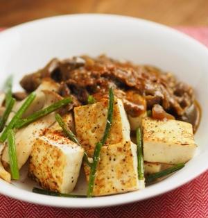 カレー豆腐ステーキ、残ったカレーリメイクレシピ。レトルトカレーでもOK!