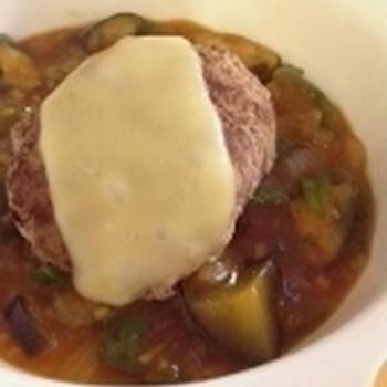 ピリ辛でご飯がススム。ハンバーグの麻婆茄子ソース。