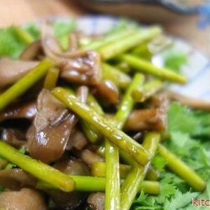 お肉なしでもごはんが進む!夏に食べたい「スタミナ炒め」レシピ