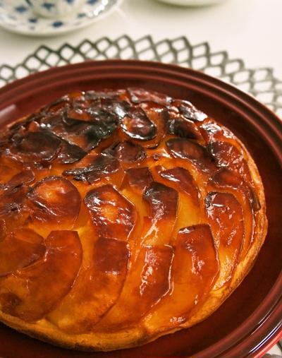 フライパンで簡単♪タルトタタン風はちみつりんごケーキ
