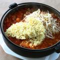 海鮮 熱々トマトの激辛ラーメン鍋