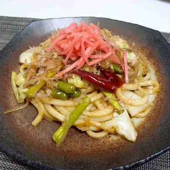 野菜だけの焼うどん(Vegetable Stir-Fried Udon)