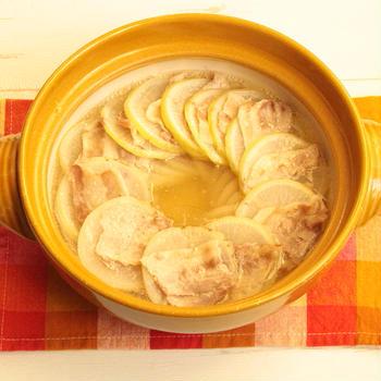 大根の大量消費におすすめレシピ。材料2つ!豚バラ大根のうま塩ミルフィーユ鍋の作り方。
