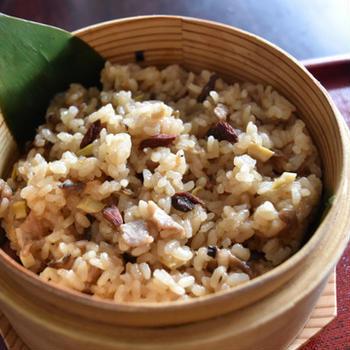 中華おこわ。蒸し器で本格派、おかず要らずのおいしいご飯。
