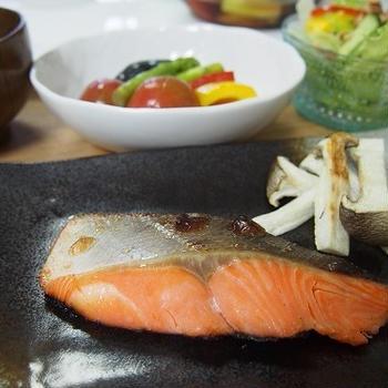 鮭の塩麹焼きの献立