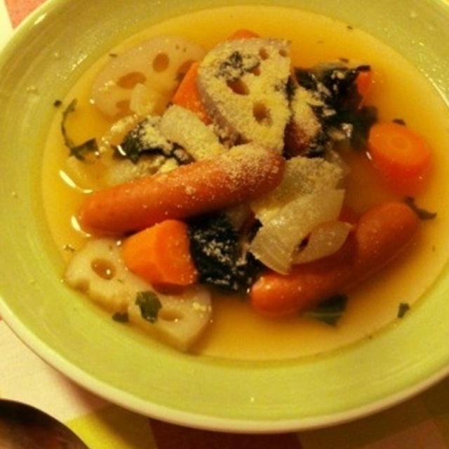 5分で作れる!たっぷり根菜のイタリアンスープ