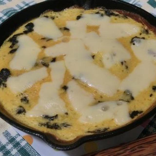 スキレット2枚使いでオーブン要らず♪ とろろオムレツのふわふわチーズ焼き