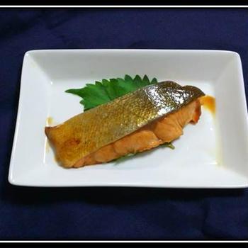 漬け込み不要!レンジで作る簡単鮭の照り焼き