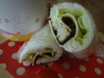 孫が喜ぶミラクルレシピ☆海苔の佃煮のラップサンド