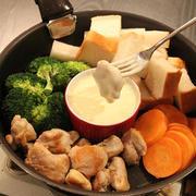 チーズフォンデュ鍋はいりません!!フライパンでチーズフォンデュ。