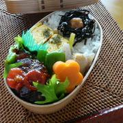 お弁当(ミニハンバーグ・プチトマトソース)