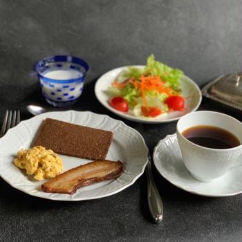 自家製ベーコンで朝ごはん!