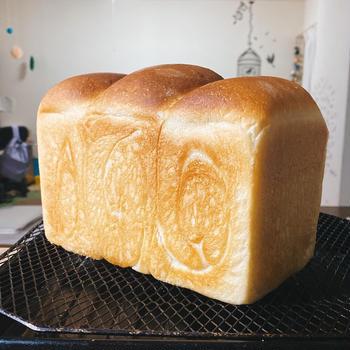 トマト酵母の食パン