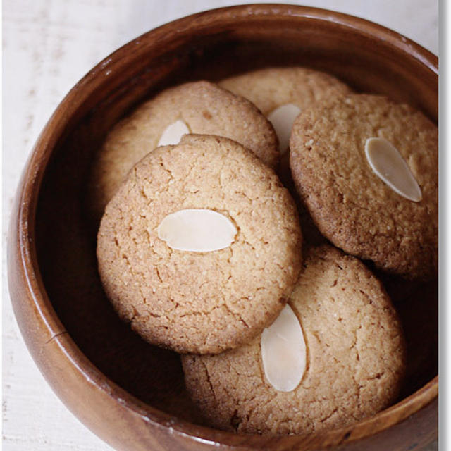 アーモンドジンジャークッキー