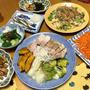 簡単な上に茹で汁まで美味しいスープに!「茹で豚と焼き野菜&つけタレ2種」を中心に「にんじんの炒めナムル」「ムール貝と生わかめのぬた」等、おうち居酒屋開催しました