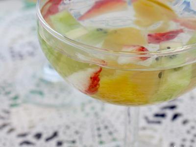 >君たち キウイ イチゴ マンゴー だね!とゥるンと飲むフレッシュフルーツスポーツゼリー by ウエルキッチンさん