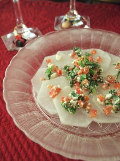 クリスマスリースの蕪サラダ
