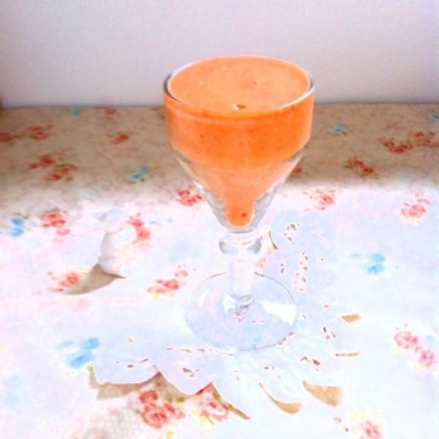 今日の朝ジュースはオレンジ*