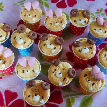 クマとウサギのシフォンカップケーキ
