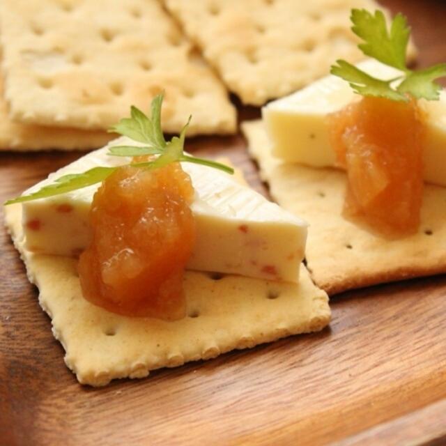 スペインのバル気分♪チーズとメンブリージョのタパス
