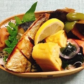 サバの塩焼き弁当・ファーム和さんのトマト・お義父さんの野菜