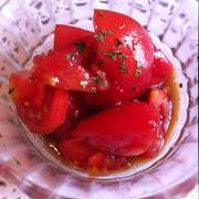 私の母、砂糖にウスターソースを混ぜたものにトマトを付けて食べるのです。昔からそうやって食べてきた人ですから、何ら不思議はなかったの...