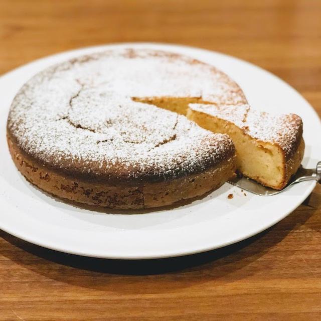 再びもっちりしっとり:今回はレモンヨーグルトケーキをどうぞ