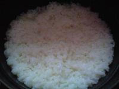 湯立てで白米(653)。。。あぜみち農優会コシヒカリ(栃木県さくら市金枝)(どらっぐぱぱす)