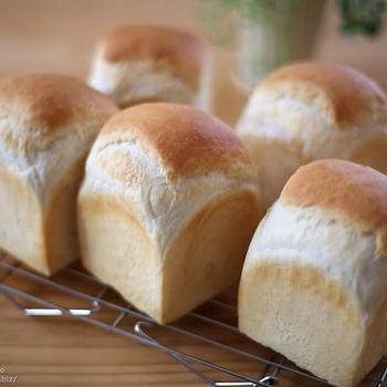 マスカルポーネ入りのあっさりふっくら「食パン」。クルトンにも便利