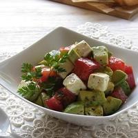 アボカド、トマト、クリームチーズのサラダ & 庭の花♪