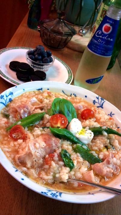 トマトのリゾット ~ ベーコン&オクラ&バジル&モッツァレッラチーズと♪