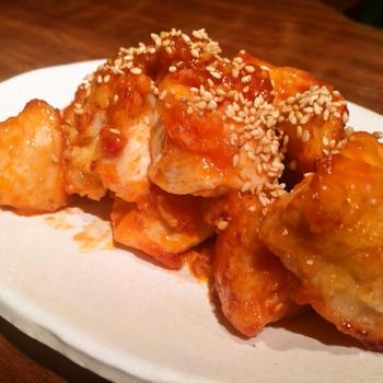 むね肉のレシピはいくつあってもいい「鶏胸肉のピリ辛ケチャップソース」