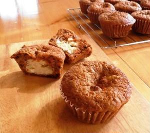 栄養たっぷりの人参とオーガニックな素材で作られたキャロットケーキ。シナモンが香るもっちりとした生地に...