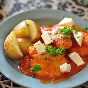 《鶏むね肉の柔らかトマト煮込み》と献立
