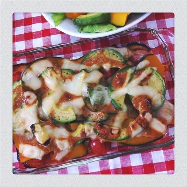 レシピ*アボカドと夏野菜の味噌ソースでチーズ焼き