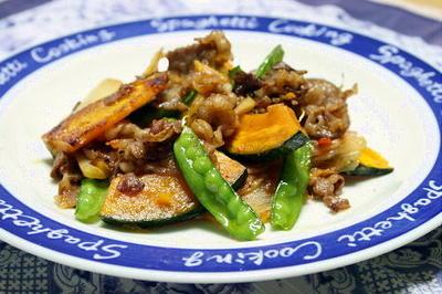 13/06/25 牛肉とかぼちゃのガリバタキムチ炒め