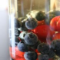 最近はまってる♡フルーツビネガーウオーター【ブルーベリー&イチゴ&サクランボ】レシピ
