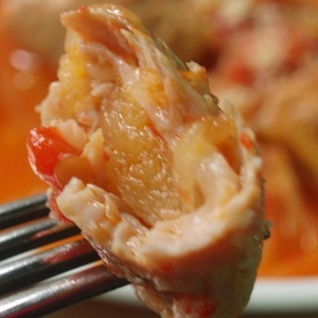 豚肉のりんご巻きのトマト煮込み