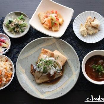 薬味たっぷり!サバと豆腐の煮付けとツナの炊き込みご飯