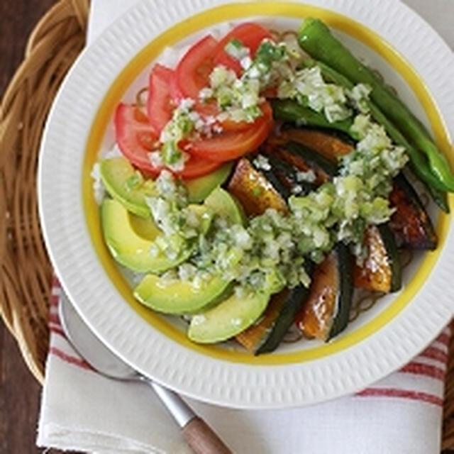 夏野菜のねぎ塩丼